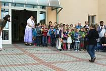 Zahájení výuky v bělohradské základní škole.