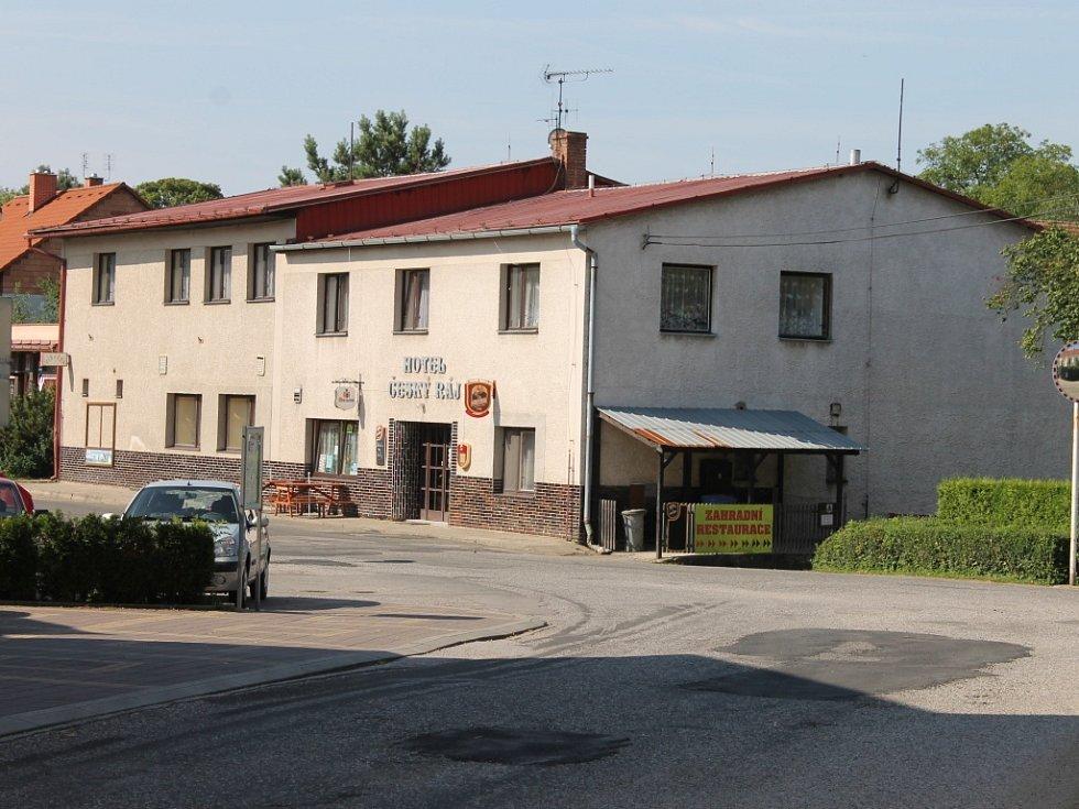 Z Libošovic: hotel Český ráj.