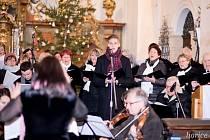 Česká mše vánoční zněla v kostele Narození Panny Marie.