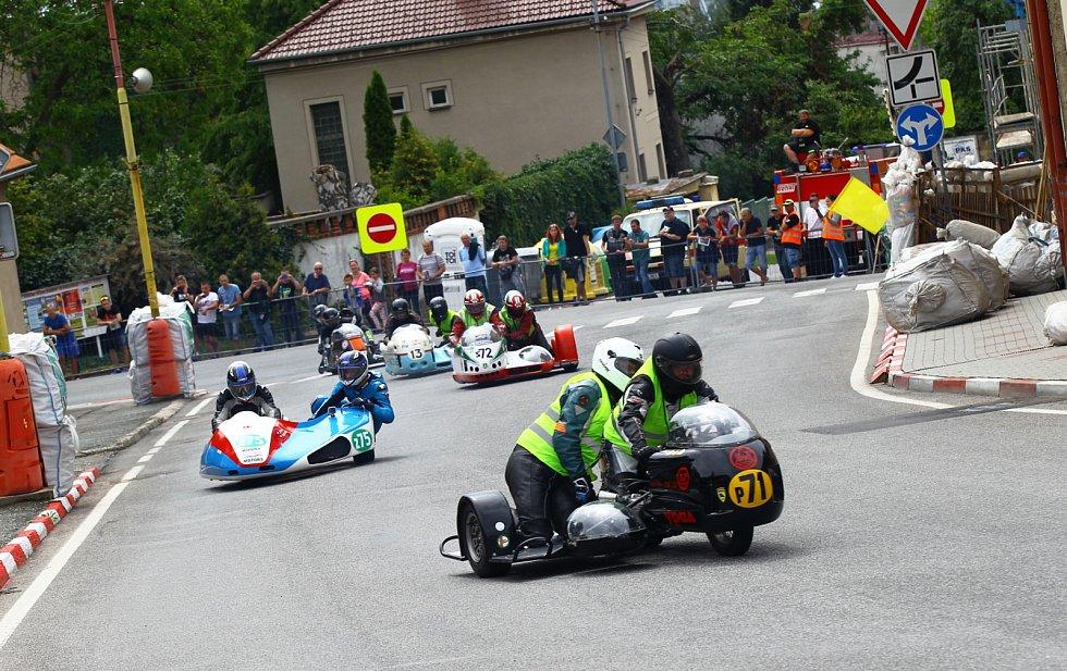 Todd si podmanil hořickou trať, závodníky na ní zaskočilo i auto.