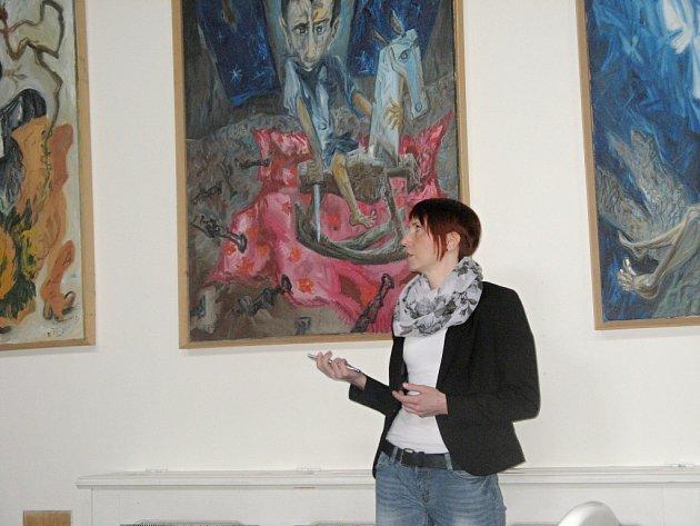 Ščigolovy obrazy, které zdobily jičínský Porotní sál.