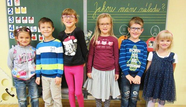 Základní škola a Mateřská škola Lužany, okres Jičín vzáří přivítala  šest prvňáčků. Ředitelkou je zde Monika Tringelová.