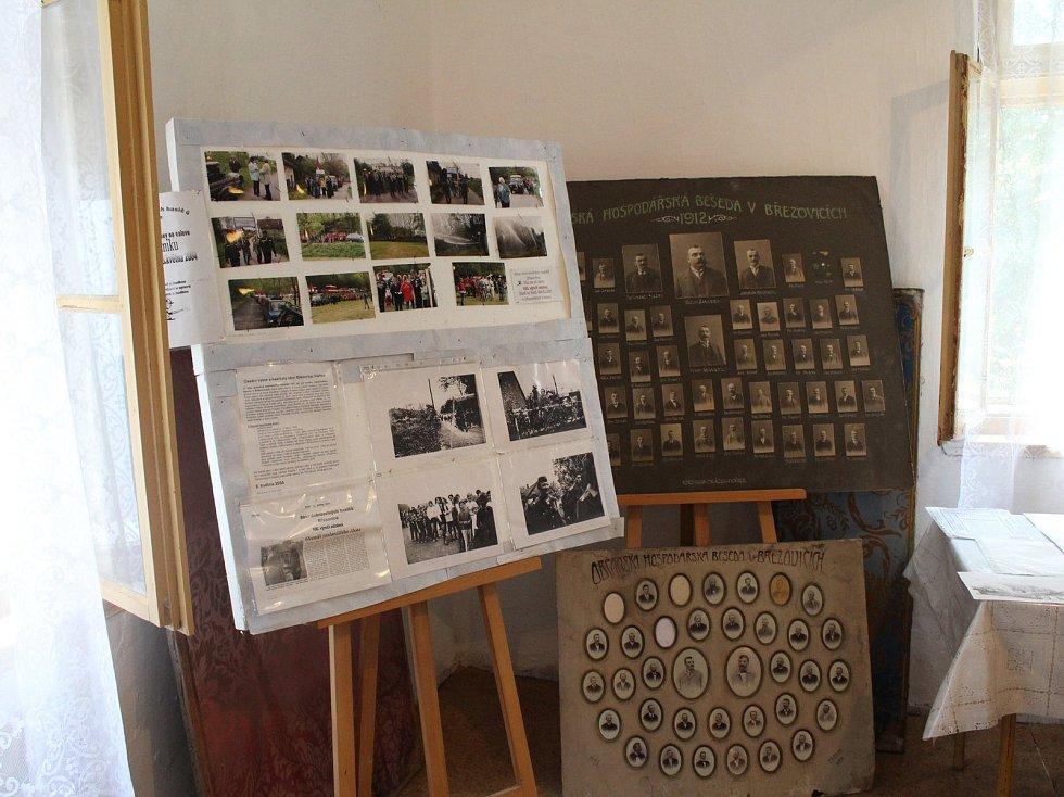 Březovice, Lhotka a Buštěhrad oslavují 700 let výstavou.