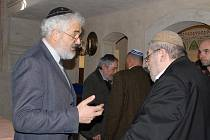 Ze slavnostního podepsání dotačního titulu v jičínské synagoze na podporu židovských památek.