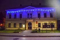 Podvečerní procházka obcí navozuje krásnou vánoční atmosféru.