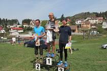 Letošní ročník Staropackého krosu se vydařil na výbornou. Na snímku zleva závodníci Salaba, Cogan a Buřič.
