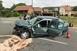 Dopravní nehoda u Vojic si vyžádala čtyři zraněné osoby. Provoz musel být v době likvidace jejích následků odkloněn na objízdnou trasu.