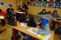 Maraton psaní dopisů v hořické ZŠ Na Habru.