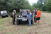 Setkání majitelů armádní techniky pod Zebínem.