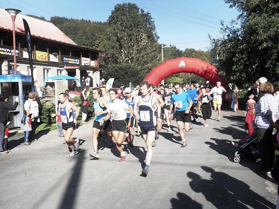 První ročník běžeckého závodu Dva hrady: na startu.