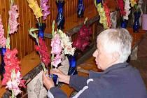 Speciální výstava mečíků, jiřin a růží.