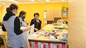 Krejčové ze Střední školy gastronomie a služeb Nová Paka