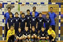 Jičínští mladší žáci vybojovali na Continental Cupu 2015 bronzovou příčku. Na snímku úspěšné družstvo.