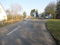 Benzinová čerpací stanice v Lázních Bělohradě, u které došlo k nehodě.