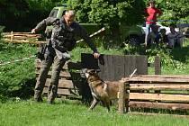 Policejní psovodi poměřili své síly ve třech disciplínách.