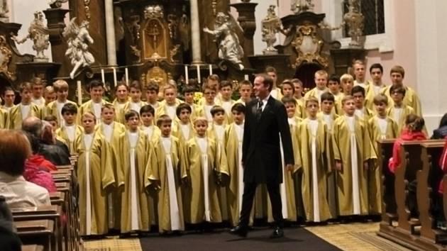 Z koncertu sboru Boni pueri v Jičíně.