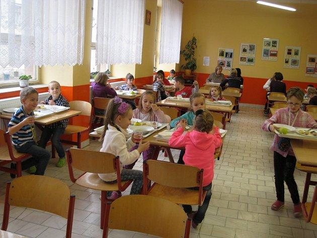 Z jídelny jičínské 2. ZŠ.