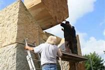Stavba Obřího trpaslíka u Hořic pokročila. Foto Okrašlovací spolek Rašín