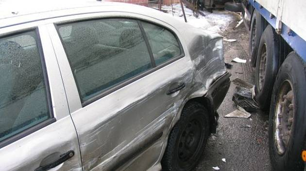 Z dopravní nehody v Chotči.