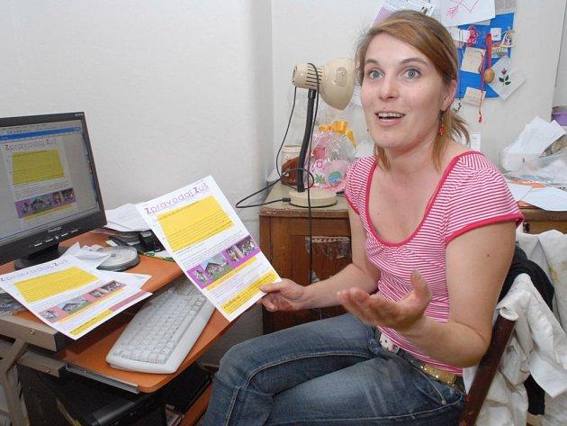 Vyučující výtvarného oboru Marie Nosková je jedním z tvůrců nultého čísla.