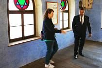 Arménský diplomat navštívil hasiče i synagogu