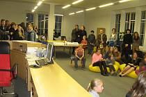 Z výstavy žáků ZUŠ v knihovně.