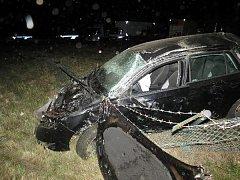 Opilý řidič z místa dopravní nehody utekl.