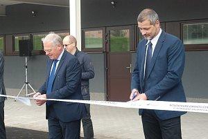 Novostavba venkovních šaten ve sportovním areálu v Jičíně