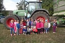 Děti z jičínské MŠ Máj navštívily chovatelskou přehlídku ve Třtěnici.