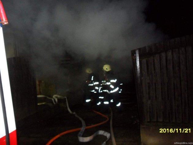 Požár garáže v Drahorazi.