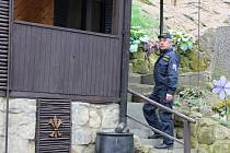 Policisté kontrolovali zabezpečení chalup.