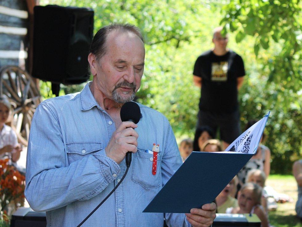 Setkání se spisovatelem Jiřím Žáčkem na Šrámkově Sobotce.