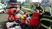 Dopravní nehoda motocyklisty si vyžádala zásah vrtulníku.