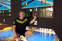 Rekordman jičínské kuželny na 120 hodů (659) i dvakrát 120 hodů (1270) Pavel Kaan bezprostředně po svém finálovém startu.