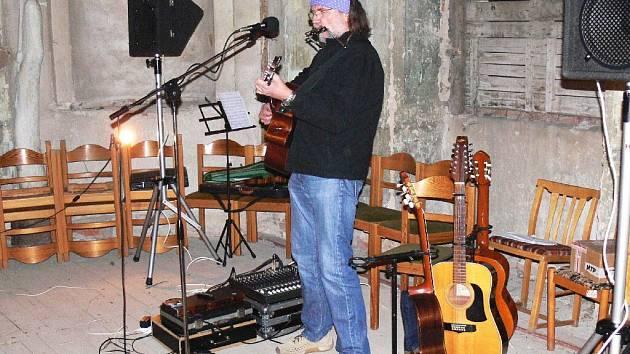 Slávek Klecandr, koncert ve Valdštejnské lodžii.
