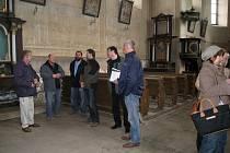 Jednání o opravách úlibického kostela.