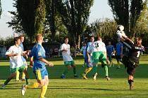 Už devět kol mají odehráno účastníci okresního přeboru. V Železnici gól nepadl, body s Kopidlnem B se dělily po bezbrankové remíze. Železnice dokázala doma porazit Lužany 2:0.