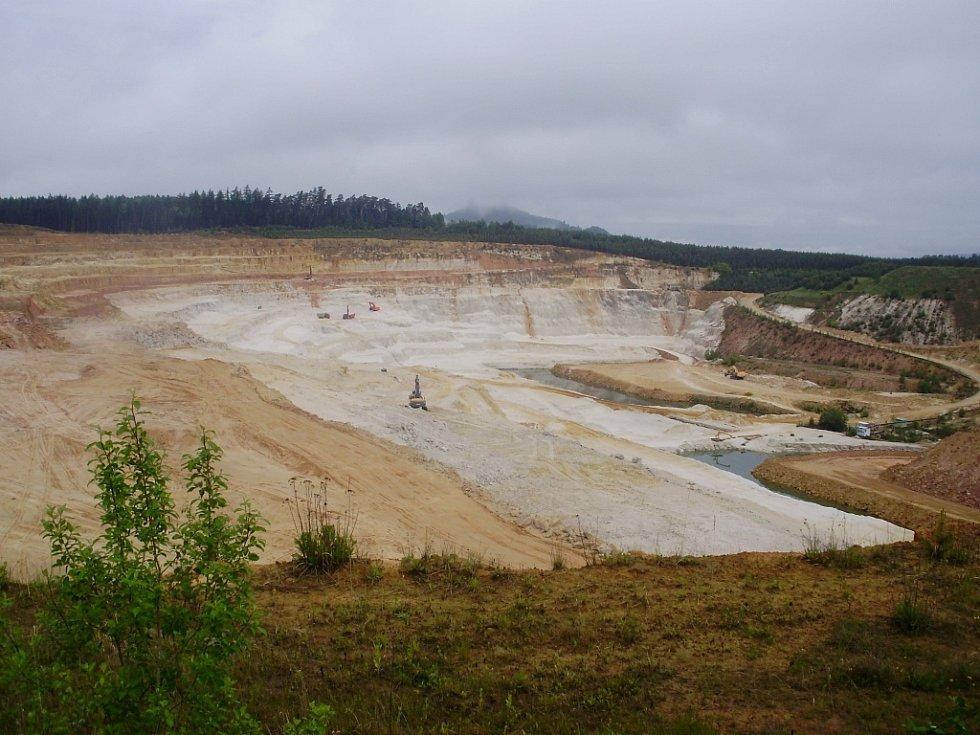Těžba písku firmou Sklopísek Střeleč.