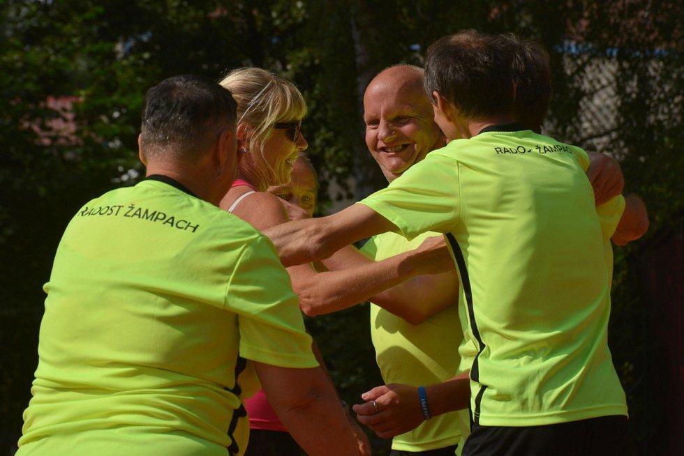 V Dřevěnici se v přehazované utkalo 12 týmů hráčů s hendikepem