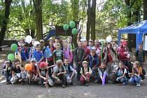 Ostroměřští žáci na pohádkovém festivalu.
