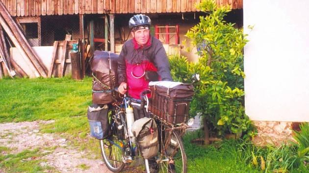 Pepa Prošvic projezdil na kole kus Evropy.