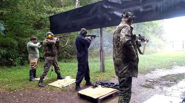 Československá obec legionářská uspořádala závody na střelnici pod Zebínem.
