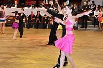 Taneční soutěž v jičínském Masarykově divadle.