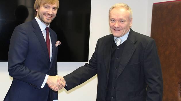 Do jičínské nemocnice zavítal ministr zdravotnictví Adam Vojtěch. Řešil zde zřízení urgentního příjmu, stavbu má podpořit Evropská unie.