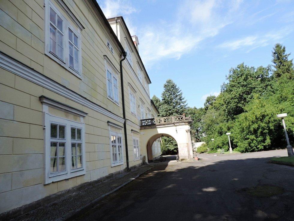 Miletínský zámek.