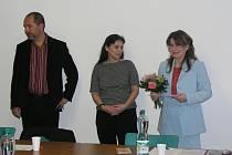 Námějstek hejtmana Miloslav Plass, zakladatelka mateřských center Rút Kolínská a Kamila Kabelková z jičínského Mateřského centra Kapička.