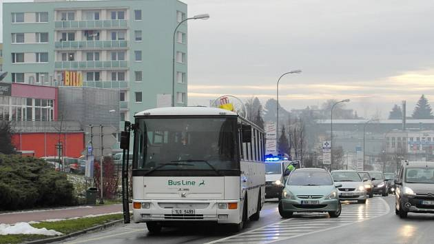 Dopravní nehoda na jičínské Husově ulici.