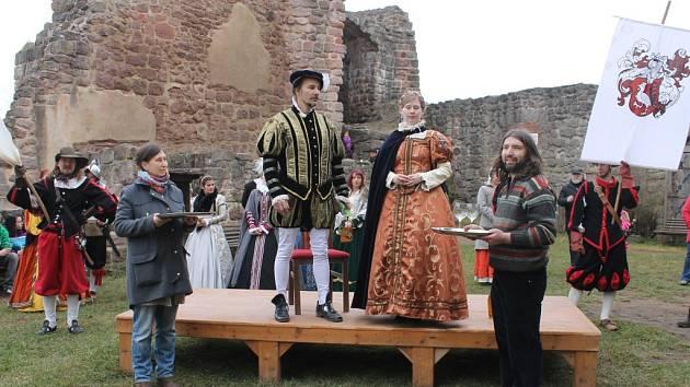 Slavnostní otevření hradu Pecka na sezonu..