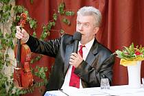 Virtuos Jaroslav Svěcený.