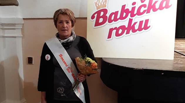 Paní Jaroslava obsadila v krajském kole soutěže Babička roku krásné třetí místo.